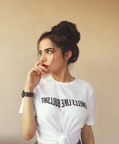 photography selfietime portrait selfies selfie girl hair Photography Girl Portrait HairYou can find Selfies and more on our website Cute Girl Poses, Girl Photo Poses, Shotting Photo, Foto Casual, Fashion Photography Poses, Photography Timeline, Hair Photography, Selfie Poses, Selfies