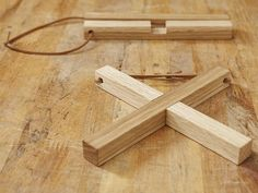 Woodworking Shows Info: 3322883784 Woodworking Shows, Small Woodworking Projects, Small Wood Projects, Custom Woodworking, Woodworking Chisels, Wood Crafts, Diy And Crafts, Wood Design, Craft Tables