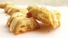 Os Biscoitos Amanteigados de Leite Ninho são crocantes, deliciosos e fáceis de…
