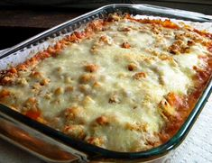 So-Simple Chicken Parmesan Casserole is the perfect dish to make on busy weeknights. It only takes a few minutes to put this easy chicken Parmesan casserole together. Easy Casserole Recipes, Casserole Dishes, Noodle Casserole, Stuffing Casserole, Mexican Casserole, Enchilada Casserole, Great Recipes, Favorite Recipes, Delicious Recipes