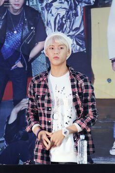 BTOB Minhyuk Btob Minhyuk, Sungjae, Rapper, Handsome, Punk, Fashion, Amor, Moda, Fashion Styles