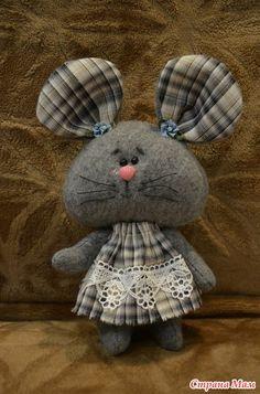 icu ~ Best 12 – Page 860680178765911742 – SkillOfKing. Felt Animal Patterns, Stuffed Animal Patterns, Doll Patterns, Fabric Animals, Felt Animals, Diy And Crafts Sewing, Sewing Projects, Unicorn Crafts, Fabric Toys