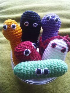 6 batteri giocattolo, adatti dai 12m in su. imbottitura atossica e legno, lavabili in lavatrice