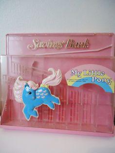 My Little Pony vintage savings bank Original My Little Pony, Vintage My Little Pony, Hello Kitty Crafts, Metro Retro, My Little Pony Merchandise, Savings Bank, Childhood Toys, Vintage Toys, Activities For Kids