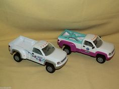 breyer truck duel wheel plastic lot 2 white pink blue loose as is farm horse tow. Black Bedroom Furniture Sets. Home Design Ideas