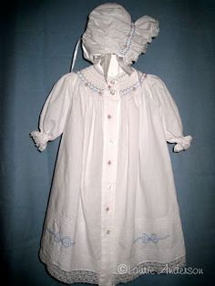 """SewNso's Sewing Journal: """"Daydreams"""" smocked daygown & bonnet"""