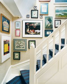how to hang art like a pro: There are tricks to every trade. Cue the four trusted secrets for creating a compelling cluster... (or, just get EasyGallery® frames that come with everything but the hammer – they're changeable and can store your pics, too)