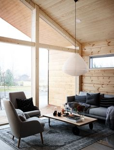 Modern Interior Design of a Log House Plays with Contrasts - Honka White Wood Furniture, Log Cabin Furniture, Furniture Design, Western Furniture, Log Home Interiors, Wood Interiors, Rustic Cabin Decor, Rustic Cabins, Lodge Decor