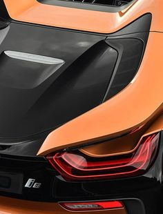 rear Light of the bmw i8 roadster 2018 Orange