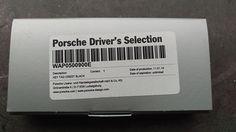 Porsche sleutelhanger met Porsche embleem ;zwartLeren sleutelhanger met hoogwaardig vervaardigde Porsche embleem. In de interieurkleur ;zwart. ;Aan de metalen ring hangt u al uw sleutels.Geleverd in fraaie geschenkverpakking ; ; ;  ;  ;