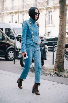 Итак, в Париже уже все: похоже, таким магнетическим образом действует на героинь наших хроник Оливье Рустен — именно показ Balmain стал одним из главных шоу в сегодняшнем расписании. А главной героиней этого дня, как бы ни старались