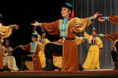 Kalmyk Folk Costume and Dance | Russia