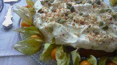 Kyllästyttääkö porkkanakakku? Luulitko, että FODMAP-ruokavalioon sopivan kakun leipominen on hankalaa? Vaan tässäpä helppo palsternakkakakku!