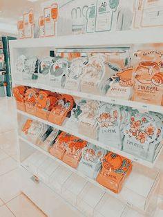 Orange Aesthetic, Aesthetic Themes, Aesthetic Images, Aesthetic Collage, Aesthetic Photo, Cute Patterns Wallpaper, Aesthetic Pastel Wallpaper, Aesthetic Backgrounds, Aesthetic Wallpapers