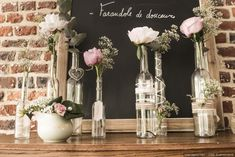 Réutilisez des bouteilles en verre #bouteille #verre #fleurs #diy #champetre #idee #chic #doityourself #mariage #deco