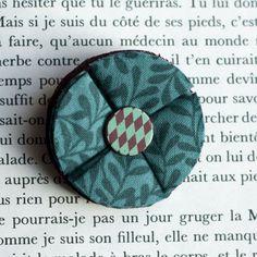 """1.7"""" Fabric brooch 'Feuilles d'été' - $13.30  #broche #brooch #tissu #fabric #peachbanana"""