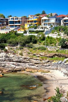 Beach Houses in Sydney, Australia // along the Bondi-Coogee coastal walk! Did it!