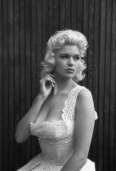 Jayne Mansfield. - BornVera Jayne Palmer  April 19, 1933  Bryn Mawr, Pennsylvania, United States  DiedJune 29, 1967 (aged 34)  Slidell, Louisiana, United States  Cause of deathTraffic accident