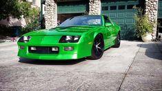 Green camaro, great color contrast