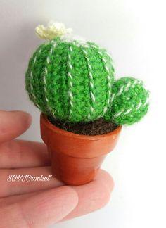 Mini cactus rotondo all'uncinetto con fiore giallo 8.00