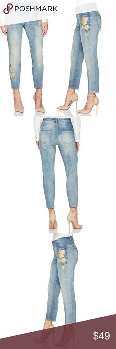 """Bandolino  •  ҽʍҍɾօíժҽɾҽժ ƒӀօɾɑӀ յҽɑղՏ Bandolino * Jeans /Pants * Curvy skinny crop style * Light wash denim * Floral Embroidery  * 54% Cotton / 23% Viscose / 22% Polyester / 1% Elastane * Inseam = 24"""" * Zipper closure * Five pocket styling * Stretch twill allows for easy movement  * flowers * spring * summer * trend * casual  * weekend * roses * embroidered * embellished  * patch * romantic * capri * cropped * distressed * Bandolino Jeans Skinny"""