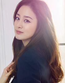 Sunlight and her skin. So chio Ulsan, Korean Beauty, Asian Beauty, Korean Girl, Asian Girl, Kim Tae Hee, Stunning Girls, Asian Celebrities, Korean Actresses