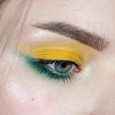 """501 Likes, 19 Comments - @sounthie on Instagram: """"Simplicity! I love colour-blocking! This was my birthday makeup, swipe to see the cute lip look ✨…"""""""