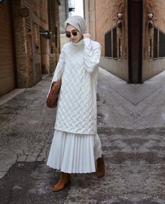 Sweater dresses with hijab style are a big trend this year for hijab winter style. Keep scrolling to get some great inspiration for winter hijab style 2019 and get tips and ideas for Muslimah winter…Read Modern Hijab Fashion, Hijab Fashion Inspiration, Islamic Fashion, Muslim Fashion, Modest Fashion, Skirt Fashion, Fashion Outfits, Women's Fashion, Fashion Trends