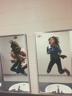 15 Selfies for friends who are almost like sisters - - Bff Pictures Bff Pics, Photos Bff, Cute Friend Pictures, Friend Picture Poses, Crazy Photos, Silly Photos, Friend Poses, Shooting Photo Amis, Best Friend Fotos