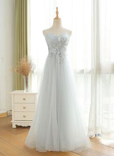 Gray Sweetheart Applique Long Prom Dress,Tulle Evening Dress, Shop plus-sized prom dresses for curvy figures and plus-size party dresses. Ball gowns for prom in plus sizes and short plus-sized prom dresses for Gold Prom Dresses, Prom Dresses With Sleeves, Prom Dresses For Sale, Tulle Prom Dress, Evening Dresses, Bridesmaid Dresses, Wedding Dresses, Strapless Gown, Gown Wedding