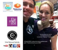 esta foto es de ayer antes de empezar #grabaciones, pasas por el set y foto obligada Contigo Verónica Murrieta García (#Conductora Telecasa Televisa & Directora Revista Elementos), haber si a la siguiente te quedas a hacer una receta jajajaja, saludos!!! #chefcms #VerónicaMurrietaGarcía #televisa #televisahermosillo #hermosillo #revistaelementos #revista