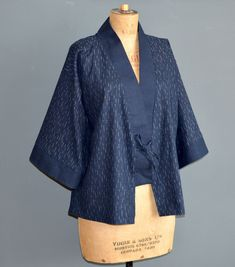 Free pattern and tutorial for the Clara kimono jacket. Kimono Sewing Pattern, Cardigan Pattern, Jacket Pattern, Free Sewing, Vintage Sewing Patterns, Clothing Patterns, Japanese Sewing Patterns, Mode Kimono, Kimono Jacket