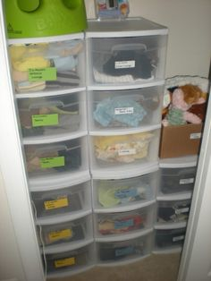 Closet Organization: An alternative to dressers @ The Busy Budgeter