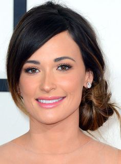 Kacey Musgraves' Side Bun Hairstyle at the 2014 Grammy Awards