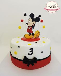 Mickey mouse cake Theme Mickey, Mickey Mouse Birthday Cake, Minnie Y Mickey Mouse, Cupcake Birthday Cake, Mickey Party, Bolo Mickey, Mickey Cakes, Baby Boy Cakes, Cakes For Boys