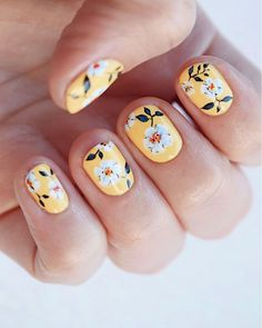 25 super pretty floral nail designs  floral nail designs