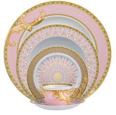 """ Shell-pink and gold arabesque china pattern by Versace for Rosenthal. My dream fine china Versace Home, Versace Versace, Versace Brand, Dinner Sets, China Patterns, Vintage China, Vintage Crockery, Antique Dishes, Antique China"