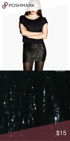 H&M black sequence skirt size medium!!!! A glamorous all black sequence skirt from H&M . This skirt is great for club wear. H&M Skirts Mini
