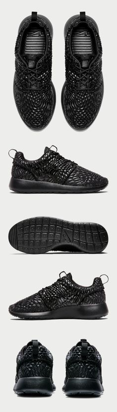 86ae8e7e1ab0 Idée et inspiration Sneakers Nike Image Description Sneaker of the Week     Diamond-encrusted feel and all black everything. The Nike Roshe One DMB  women s ...