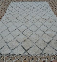 Check out this ivory vintage Beni Ouarain carpet new in my collection!  http://beyondmarrakech.com/products/bo789-beni-ouarain-carpet/