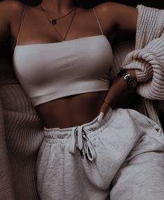 Cute Lazy Outfits, Retro Outfits, Stylish Outfits, Girl Outfits, Sporty Outfits, Winter Fashion Outfits, Look Fashion, Outfits Spring, Trendy Summer Outfits