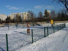 Psie Paczki są stawiane w parkach miejskich.