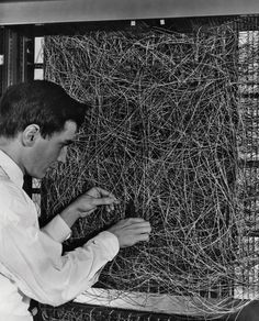 """Is """"Deep Learning"""" a Revolution in Artificial Intelligence? : The New Yorker It Management, Intelligent Technology, Artificial Intelligence Technology, Certificates Online, Oral History, Data Science, Computer Science, Computer Technology, Deep Learning"""