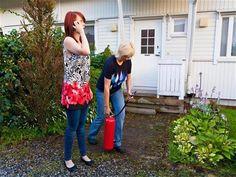 Maksutonta alkusammutuskoulutusta 100 000 suomalaiselle  http://www.spek.fi/news/%E2%80%8BMaksutonta-alkusammutuskoulutusta-100-000-suomalaiselle-/4qpfmo1s/28e188b7-fc7f-4dd0-87a7-b79b21d64d4e