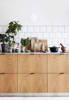 Design By Josefine Hedemann Poetic and elegant stories that invite the user into a universe. Kitchen Interior, New Kitchen, Kitchen Decor, Cute Home Decor, Cheap Home Decor, Scandinavian Style Home, Kitchen Handles, Küchen Design, Home Decor Accessories