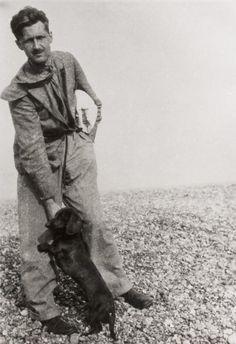 George Orwell con perrito, en la Guerra civil española, integrado en Brigadas Internacionales