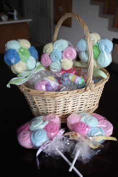 Baby Shower Lollipop gift - made with washcloths or burp cloths.