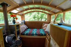 Loveeee the wood stove on the house boat! :) Picture 2274 « Home: Eleven Gorgeous House Boats | justb.