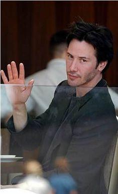 Keanu Reeves - foto publicada por laracroft1950