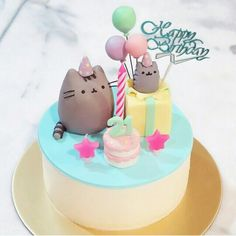 Love this gorgeous Pusheen birthday cake from Look at all those tiny details! Pusheen The Cat ~ Happy Birthday Cake ~ Box Birthday Card Pretty Cakes, Cute Cakes, Beautiful Cakes, Amazing Cakes, Fancy Cakes, Mini Cakes, Cupcake Cakes, Pusheen Cakes, Pusheen Birthday
